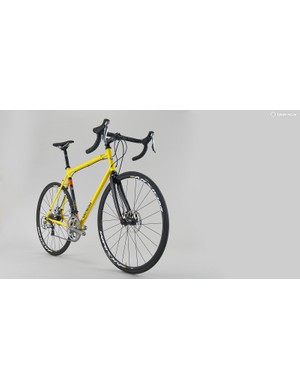 The beautifully finished, retro-styled yellow and black frame is instantly appealing