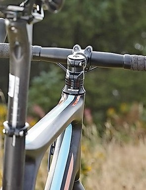 The extra width of the 'cross style flared bar means confident riding in the drops off-road