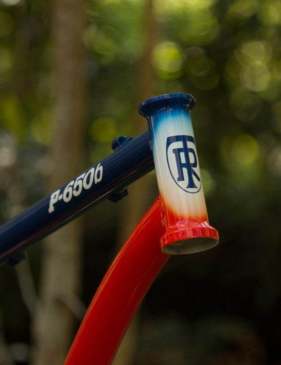 Our sample is a 2014 version with a straight steerer tube. For 2015, the frames will have a tapered head tube