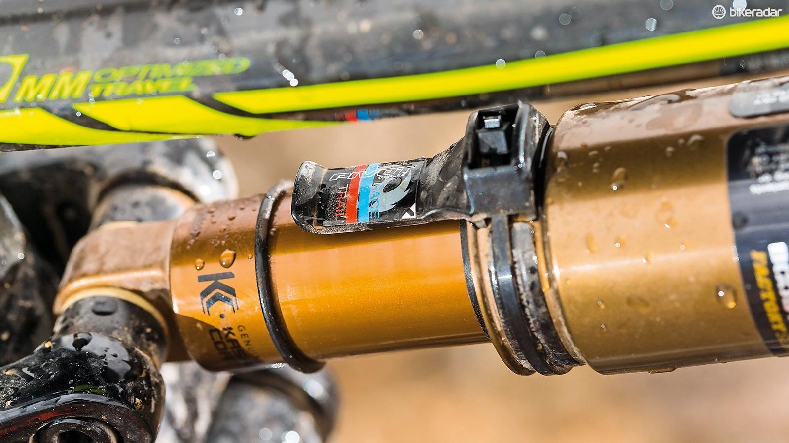 A nifty sag indicator simplifies setup  of the 115mm rear travel