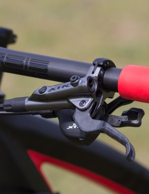 Shimano XTR M9000 XC Race brake lever with carbon lever blade