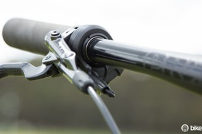 The latest PRO Tharsis components allow for internal wire routing through the handlebar