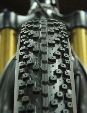 One of the claimed benefits of 27.5+ tires is that they measure out to approximately the same outer diameter as a 29x2.3in tire, meaning it's possible to use existing components, such as 29er suspension forks