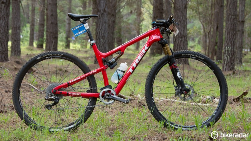 Dan McConnell's Trek Superfly FS 9.9 SL with prototype Shimano XTR Di2