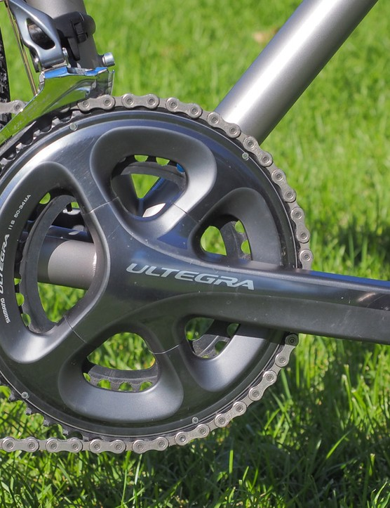 Perhaps as befitting the Routt's newfound role as a multipurpose dirt road/gravel/cyclocross/light touring bike, Moots sent our test sample with a standard Shimano Ultegra compact crankset instead of one with more 'cross-specific gearing