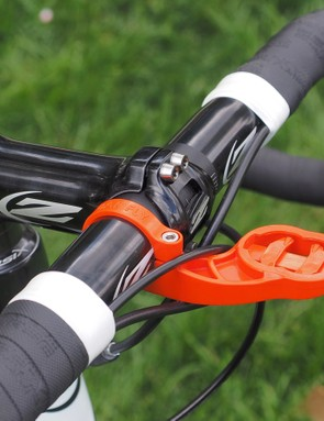 The orange Bar Fly 2.0 Garmin computer mount is a nod to Strava. And while a carbon fiber cockpit might be lighter, Tim Johnson (Cannondale-Cyclocrossworld.com) runs a more durable aluminum setup