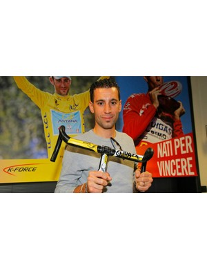 Nibali shows off the limited edition Tour de France Shark bars