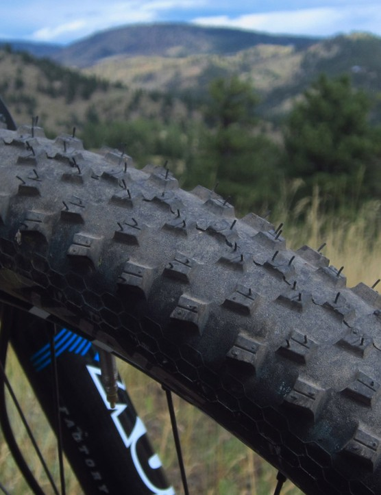 The Continental X-King tires are a little squirrely when the trail is loose but they offer good traction in more hardpacked conditions, plus a very fast roll