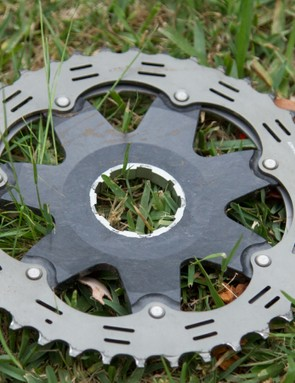 The XTR 11-speed cassette still fits on a standard mountain bike freehub. As seen in this picture, the 11th cog (40t) is offset from the carrier spline toward the spokes