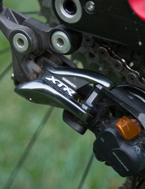 Note how the derailleur mounts to the frame – this tab is replaceable to be used with Shimano's direct-mount system