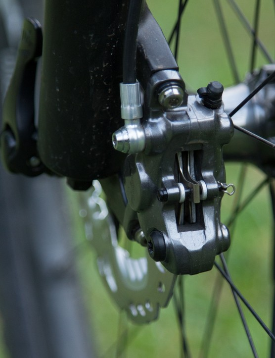 The Trail brakes include finned Ice-Tech pads, whereas our M9000 Race samples include lighter alloy-backed pads without Ice-Tech