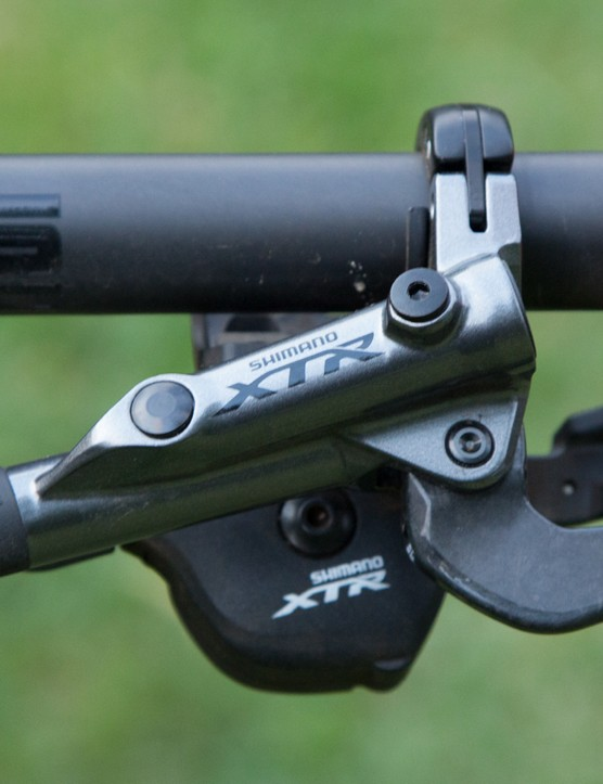 The overall aesthetic of the brake lever hasn't really changed since the previous M980 version