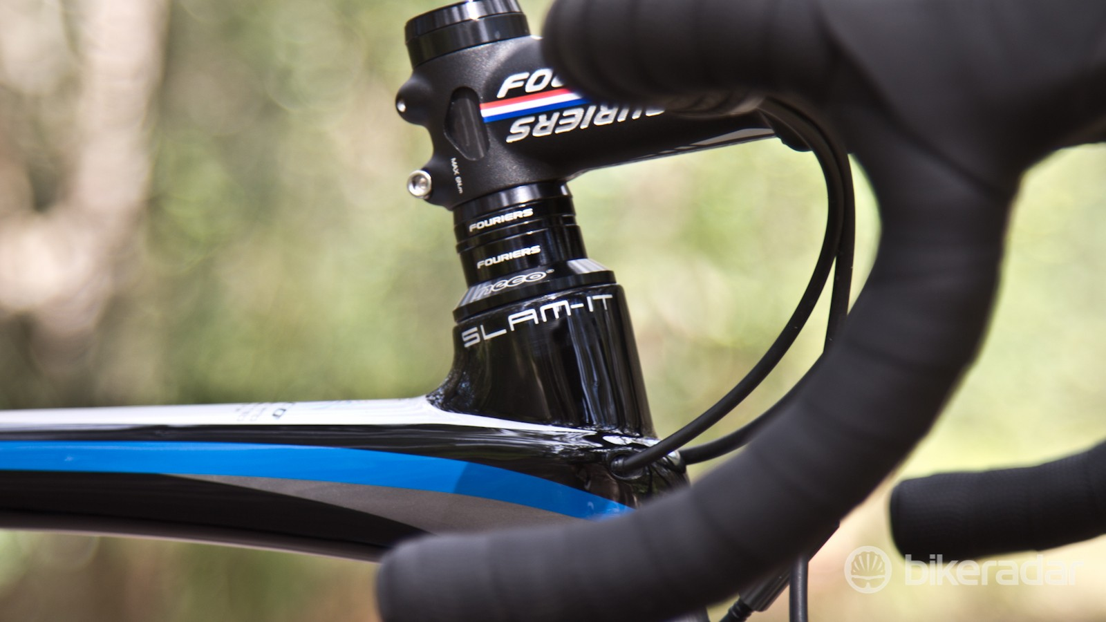 With the head tube protruding 4cm above the top tube, an ultra-aggressive position may be hard to come by