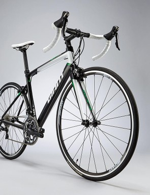 The Defy's rear triangle is more compact on the 2015 edition