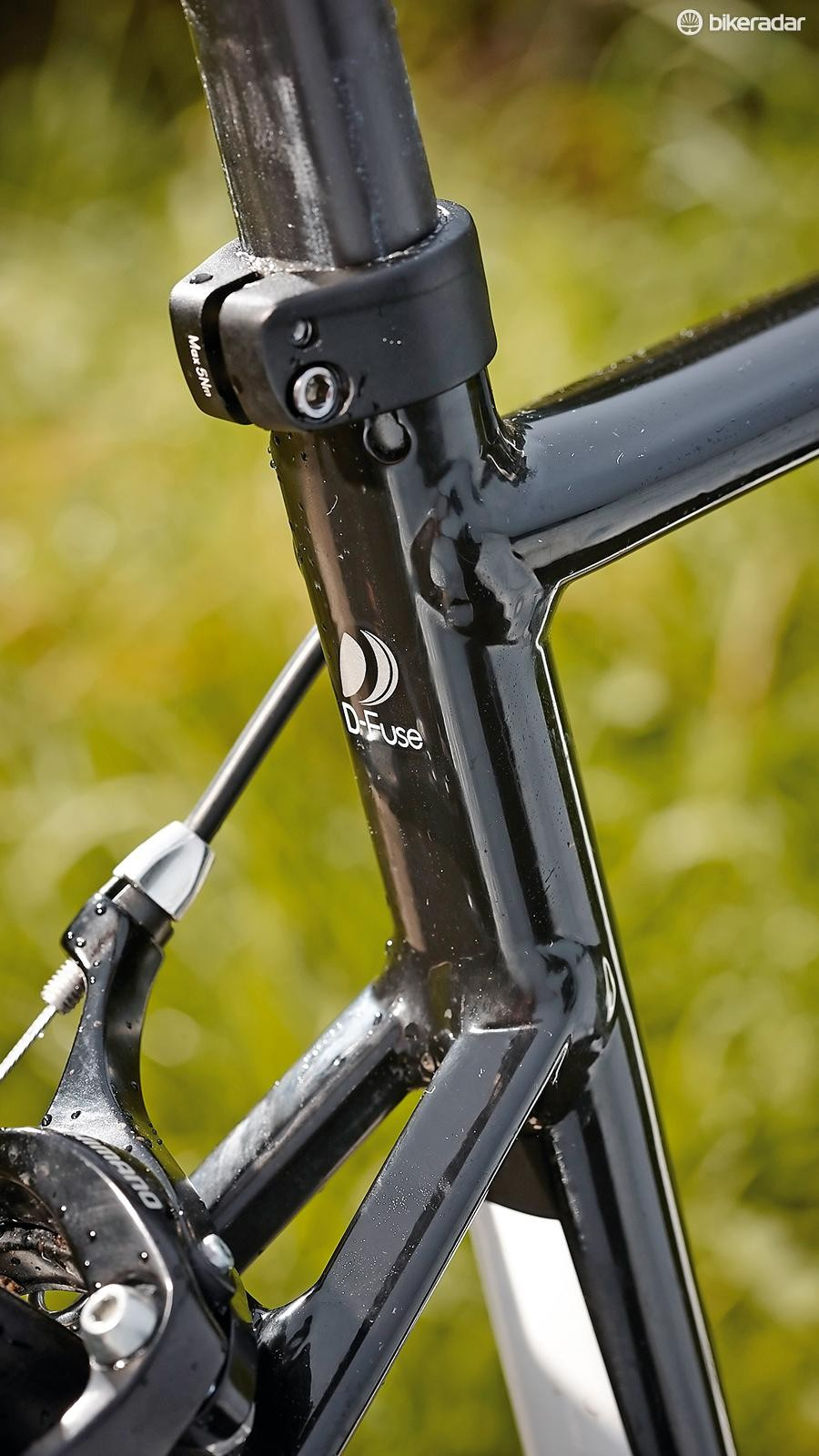 New dropped seatstays and a D-Fuse seatpost for the 2015 Defy