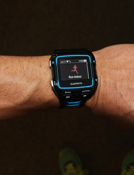 Indoor Run can give you (estimated) distance and pace on a treadmill –without a foot pod
