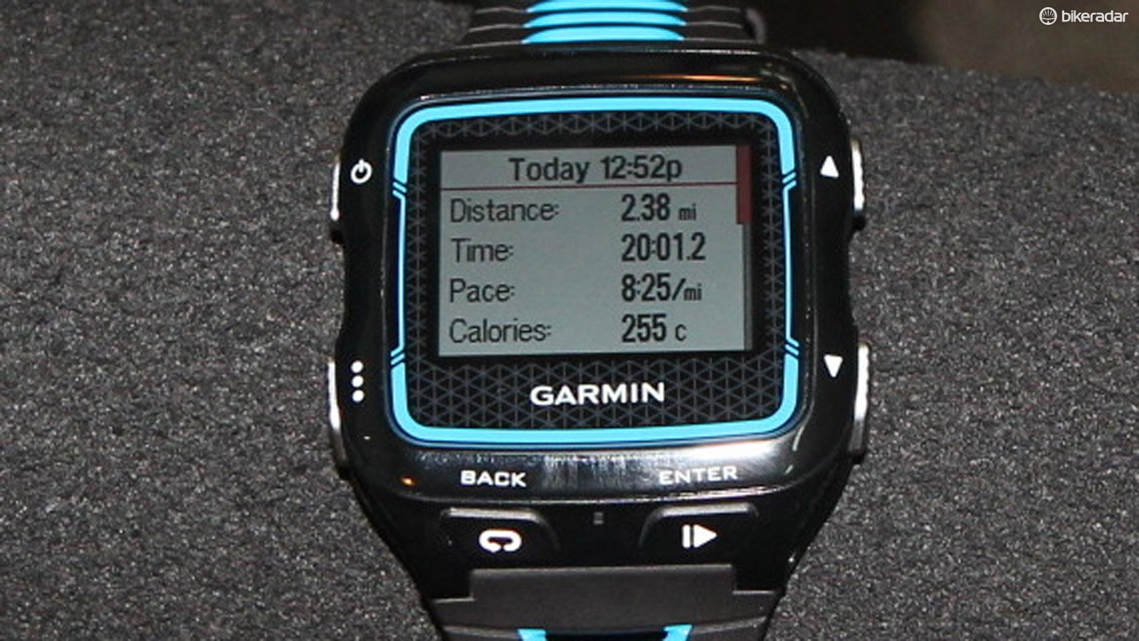 After each activity, the 920XT spits out summary data, but the real value is the post analysis, which can now be easily done on your software of choice, thanks to Garmin Connect's auto-linking feature