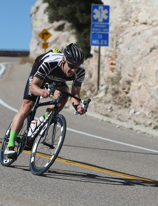 Coming down the 25-mile descent of Mount Lemmon in whipping crosswinds, we really appreciated the newfound front stiffness of the bike, and being able to yank thee bike back in line when the wind slapped the 60mm front wheel