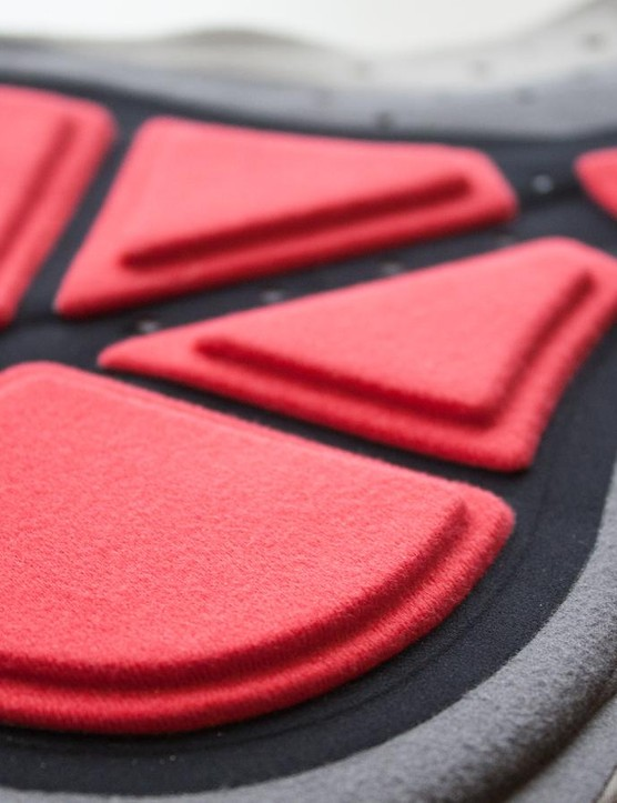 The chamois pad minimises sponge, using foam (the red sections) to avoid uncomfortable clamminess