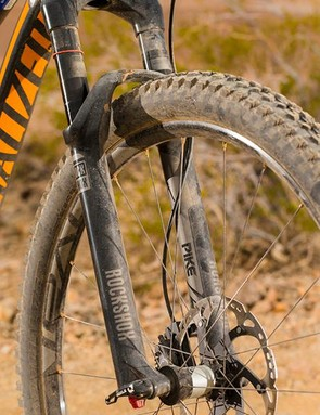 The Traverse Fattie rims are broad enough to bulk up tyre volume for added float, but the fatter, flatter profile can make the bike harder to turn. The RockShox Pike fork is custom shortened to 120mm (4.7in) travel, which makes it even stiffer and more accurate on the trail