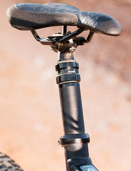 …and a Reverb Stealth seatpost for maximum control
