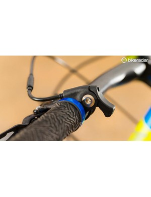 The supplied bar is own-brand 760mm carbon