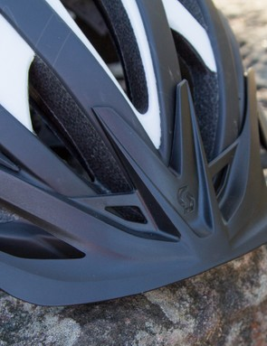 The Wit's non-adjustable, but removable visor is simple yet effective