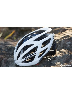 The Scott Wit-R is effectively the same helmet as the Wit, but without a visor