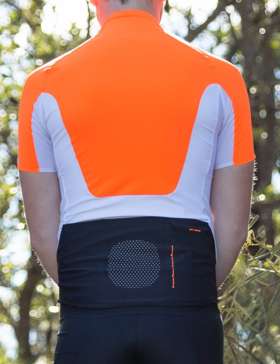 The large reflective panel in the small of the back and the fluoro orange shoulders make for an eye-catching jersey, even at night