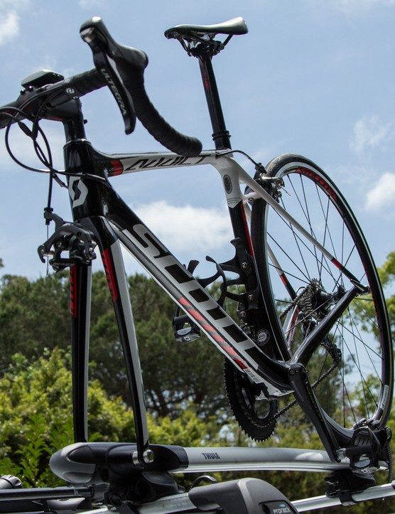 The Thule Sprint 528 bike carrier has plenty to offer for those that prefer fork mounted carriers