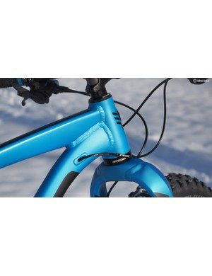 Felt uses a doubled-butted and hydroformed aluminum frame on the Double Double 30. The massive aluminum fork also uses hydroformed tubing