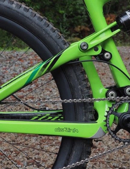 The new Ibis Mojo HD3 uses a fifth-generation dw-link suspension design with more mid-stroke support for even more efficient pedaling. The one-piece rear triangle and short, stout suspension links yield a noticeably stiff rear end, too