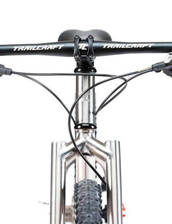 The Ti version of the Pineridge 24 comes with a matching rigid fork