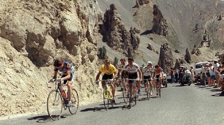 Greg LeMond (in yellow) climbing in a mountain stage in the 1989 Tour de France