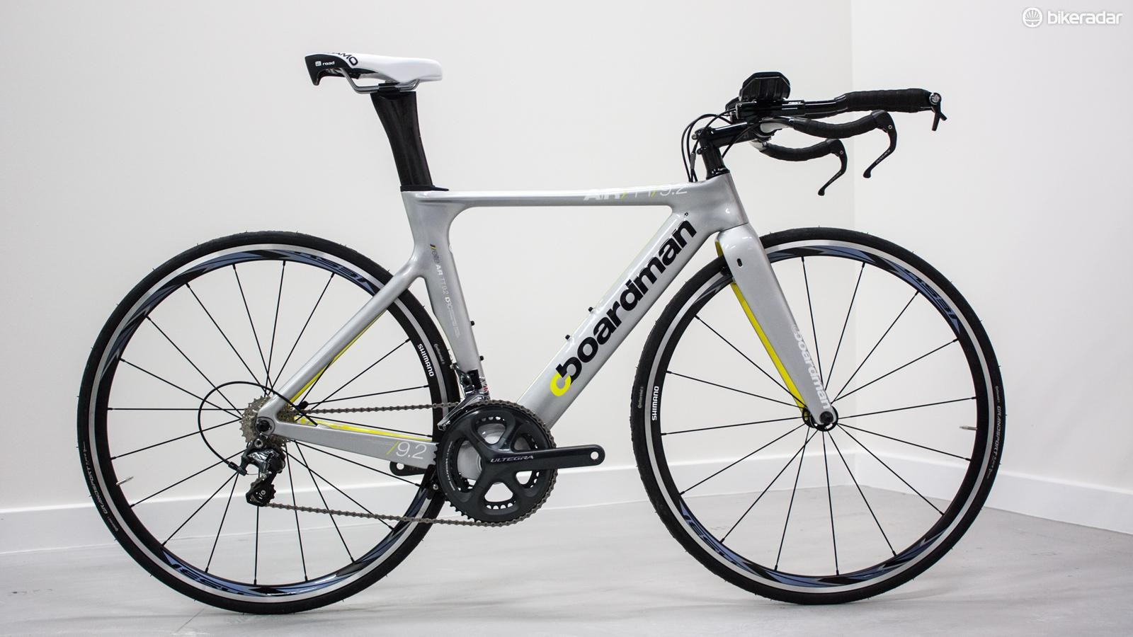 The AiR TT 9.2 is finished in sleek silver with flashes of yellow