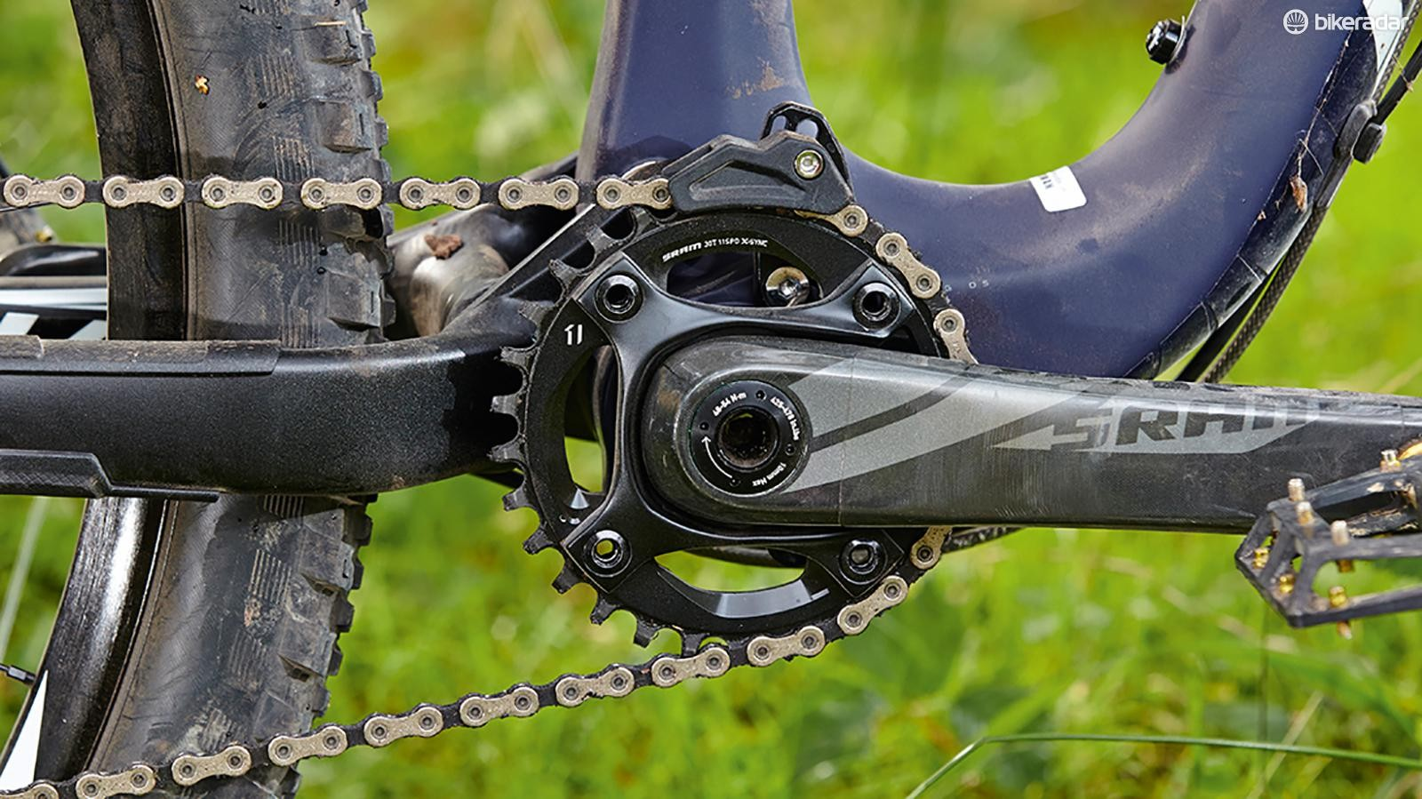 The carbon frame and cranks help keep overall weight below 13kg