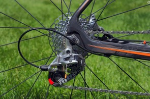 While the standard SRAM Red 22 rear derailleur is lighter than the new Force CX1 model, it unfortunately doesn't have the latter's trick clutched pulley cage
