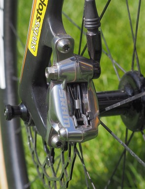 Helen Wyman often mixes the front and rear brake pad compounds depending on how she wants the brakes to perform and feel