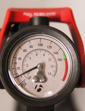 The location of the gauge is good. A more detailed gauge, especially with low-pressure settings, would make it better