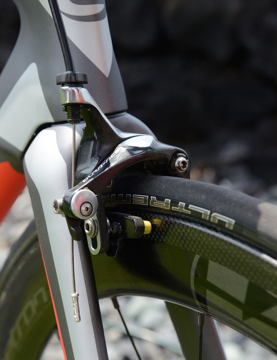 Cannondale has opted for a practical front brake rather than an integrated design