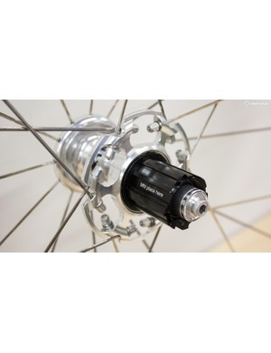 The clever hub takes both Shimano and Campag cassettes
