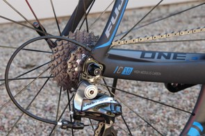The internal routing is modern, ready for electronic or mechanical drivetrains
