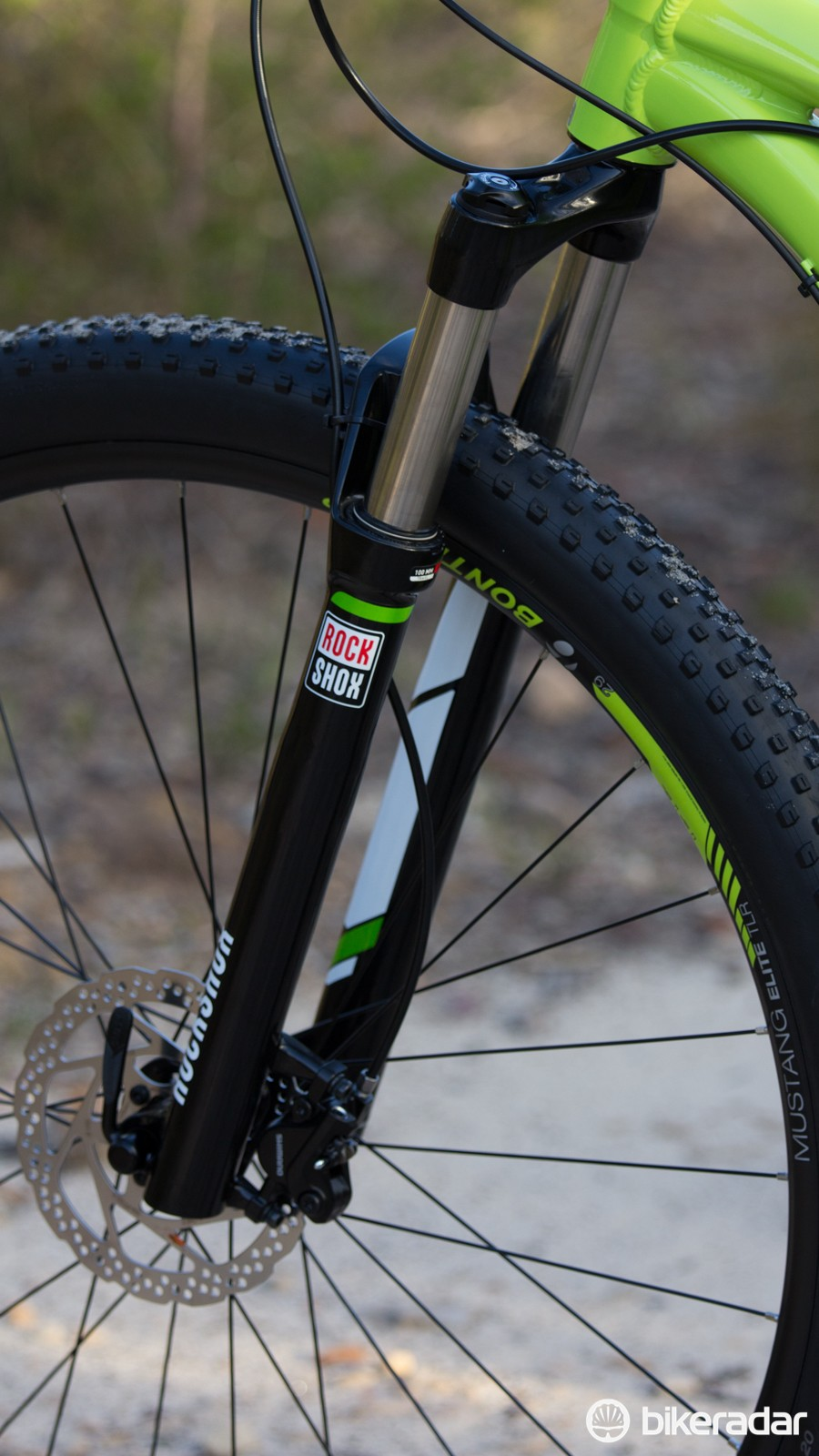 A RockShox XC32 fork sits out front. While there is some flex when pushed hard, the fork works well in most conditons
