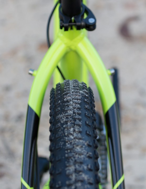 Without any reinforcing bridges, the X-Caliber's frame affords plenty of tyre clearance