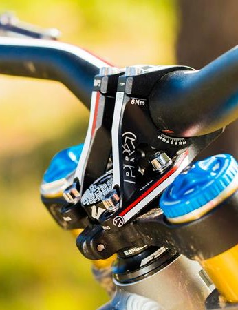 A lot of the finishing kit comes from Pro, including the 50mm Custom Direct Mount stem and 800mm Custom handlebars