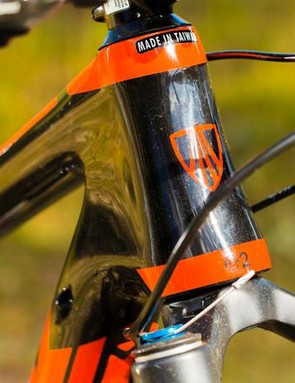 The OCLV Mountain carbon frame is superbly well tuned