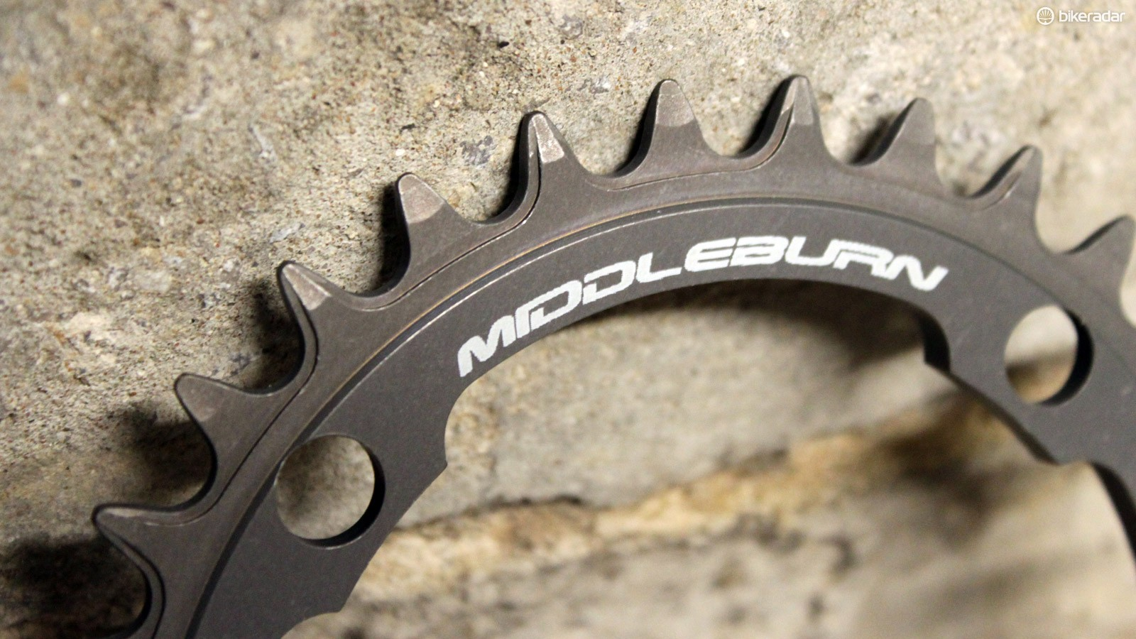 Narrow/wide chainrings