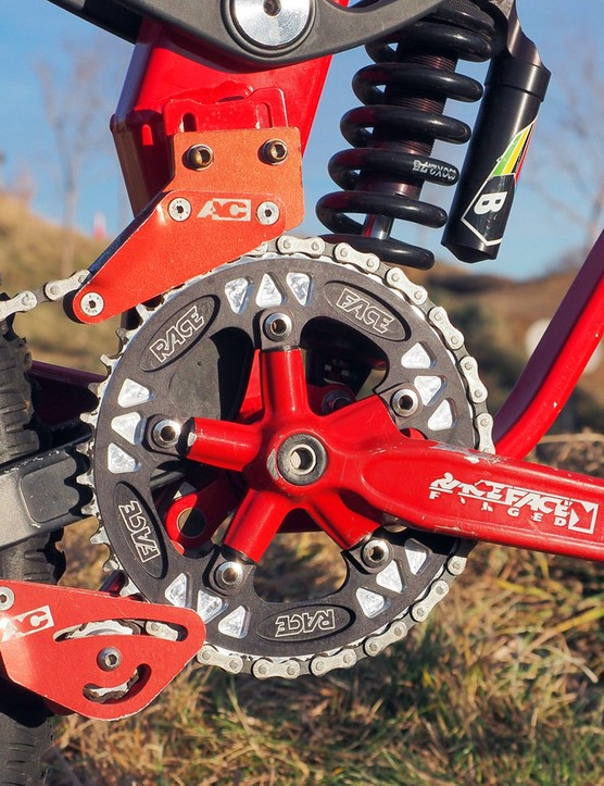 Whereas Race Face's NEXT cranks used a radically milled-out crankarm surface filled in with carbon fiber appliques, the North Shore version was left solid for greater strength. The chainring tabs were individually replaceable in the event of damage