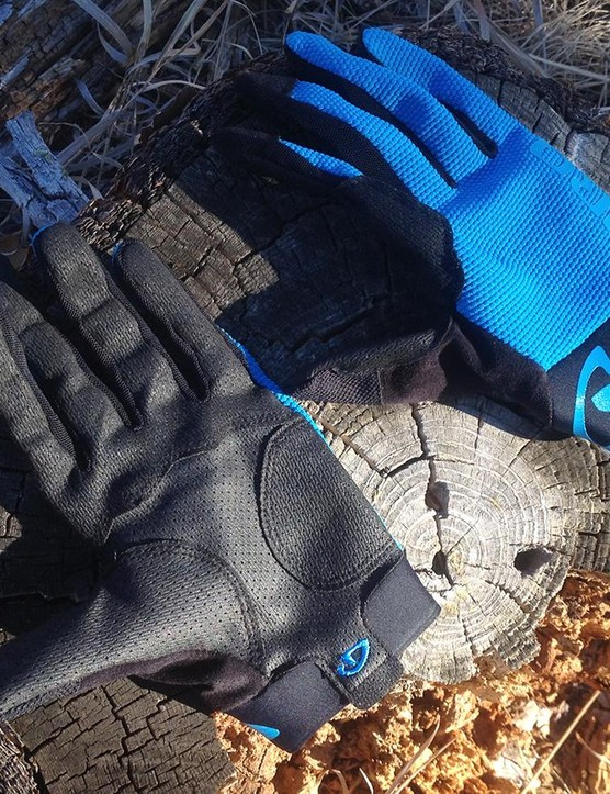 Giro's minimalist Rivet II glove goes for bar feel over bulk