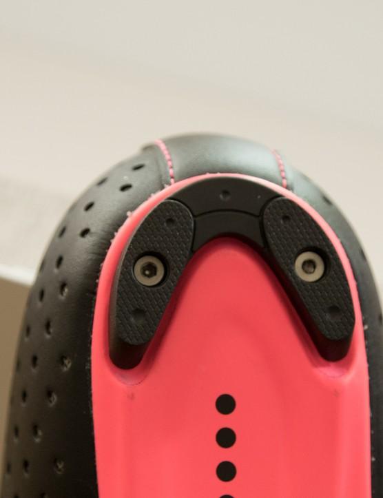 The heel tread is replaceable